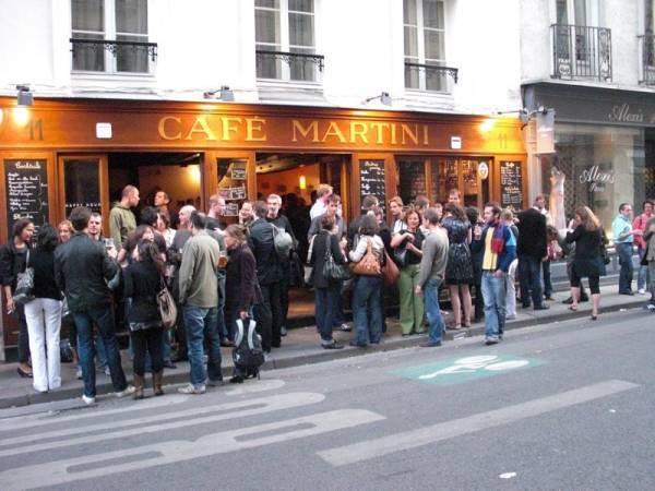 Paris-bars-Café Martini